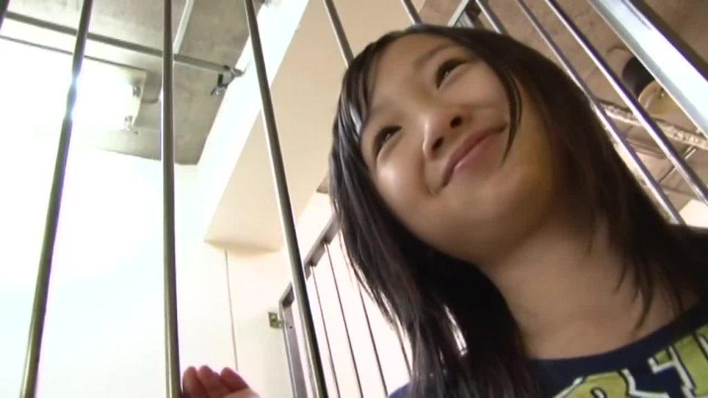 ビキニでポロリ!? momoe vol.1 / ももえ ジュニアアイドル無料着エロ動画
