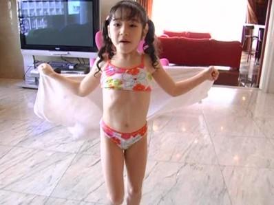ビキニでポロリ!? はじめまして 月島メル ジュニアアイドル無料着エロ動画