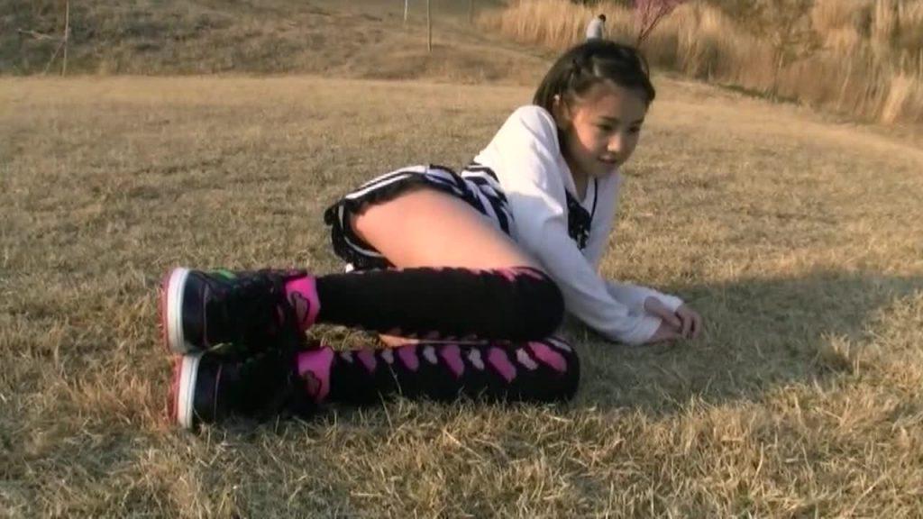 ビキニでポロリ!? 眩しすぎる瞳 栗原奈美恵 ジュニアアイドル無料着エロ動画