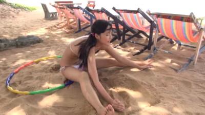 競泳水着でマンスジが..!? J-chu-/亜沢光 ジュニアアイドル無料着エロ動画