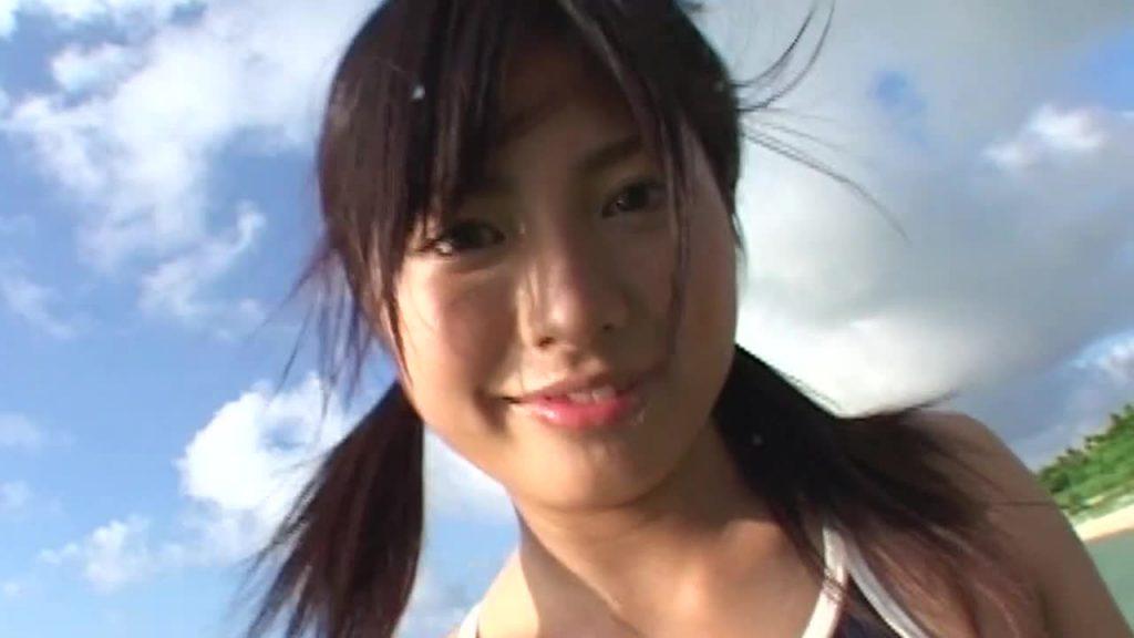 スクール水着でくっきりマン筋!? 「Saita」佐倉レイナ 1st ジュニアアイドル無料着エロ動画