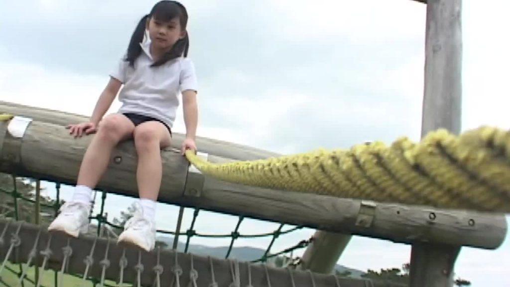 黒髪ロングの清楚系ジュニアアイドル mai vol.4 / まい 無料サンプル動画