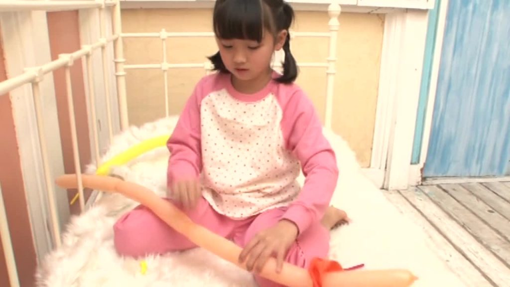 パジャマ姿も!PureRose Vol.05 えりか ジュニアアイドル無料サンプル動画