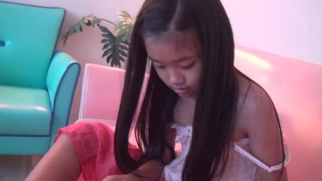 黒髪ロングの清楚系ジュニアアイドル チルチルvol.65 あゆみちゃん 無料サンプル動画