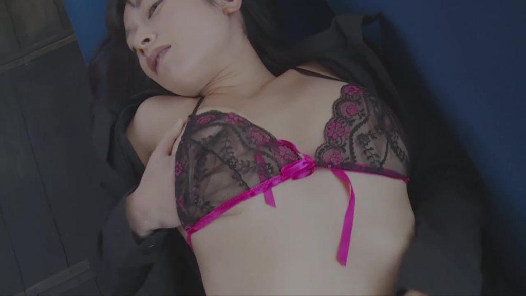 メガネっ子ジュニアアイドル 妖艶な女教師/春野恵 無料サンプル動画あり