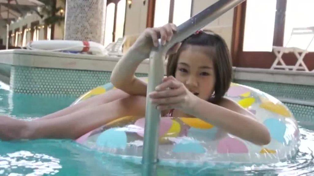 ビキニでポロリ!? melodic-054/あやかちゃん ジュニアアイドル無料着エロ動画
