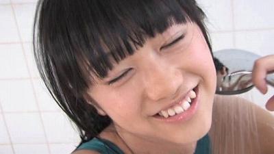 スレンダーな幼女体系ジュニアアイドル動画 町田有沙 水着カタログ 無料サンプルあり