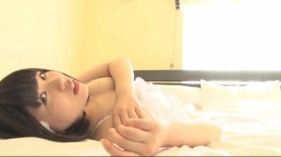 ビキニでポロリ!? 春日彩香 もぎたて果実 ジュニアアイドル無料着エロ動画