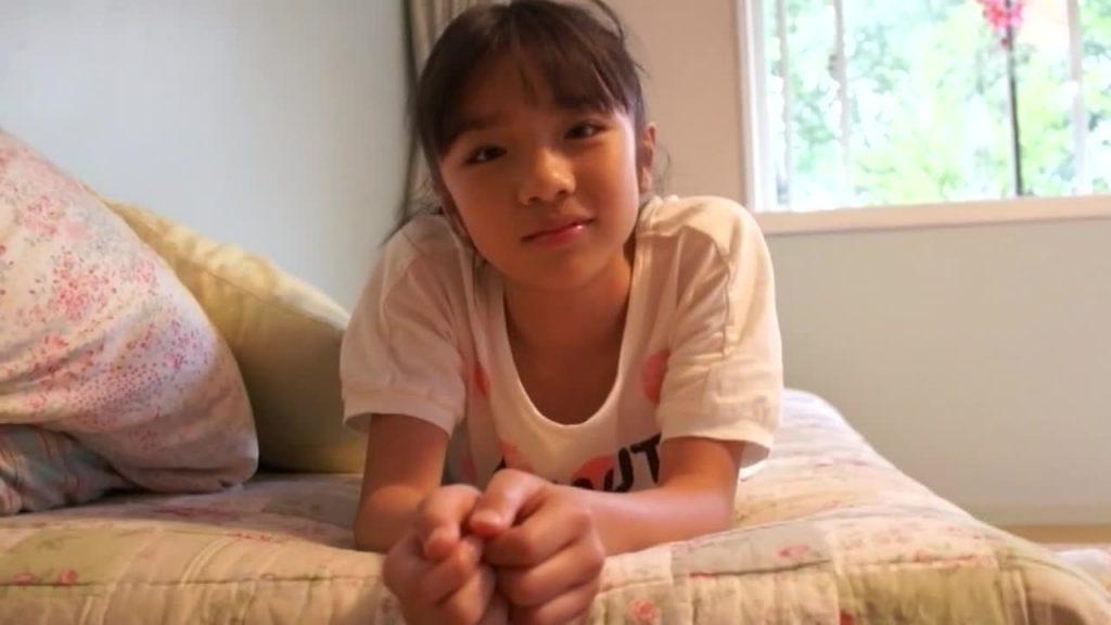 黒髪ロングの清楚系ジュニアアイドル かじりかけのりんご 朝霞ひめか 無料サンプル動画