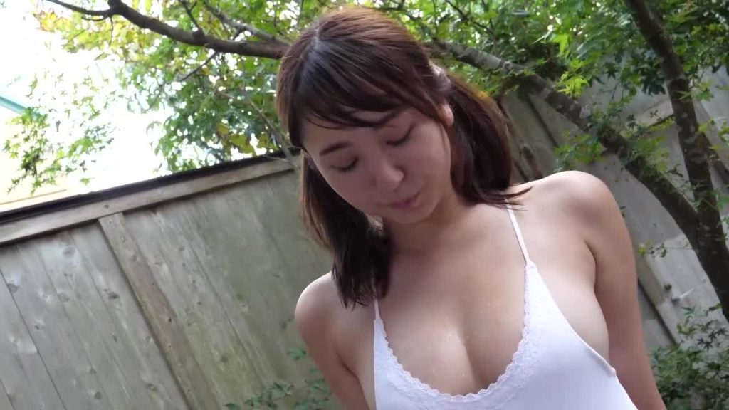 ビキニでポロリ!? 僕らの、しーなぱい/椎名香奈江 ジュニアアイドル無料着エロ動画